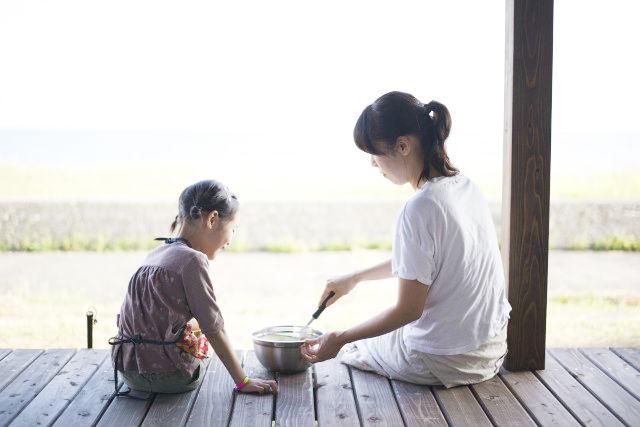 【石川・珠洲】金箔と椿油の保湿クリーム&貝殻のキャンドル作り体験