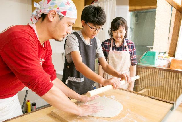 【京都・一乗寺・そば打ち】プロの道具を使用!一乗寺で本格蕎麦打ち体験
