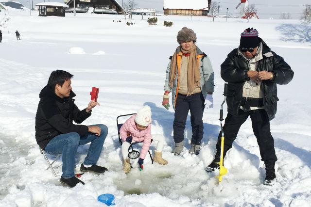 【札幌駅発・月形町・ワカサギ釣り】手ぶらでワカサギ釣り&天然温泉ツアー