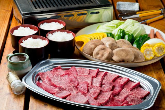 【兵庫・三田・BBQ&いちご狩り】特選牛もも肉BBQ&いちご狩りのセットプラン