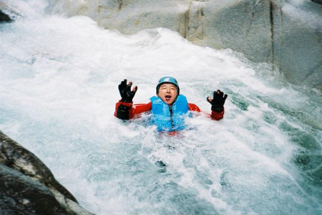 【長野・駒ヶ根市・シャワークライミング】季節の自然を感じるシャワークライミング体験!
