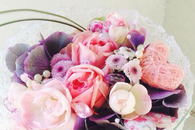 【山梨・フラワーアレンジメント教室】お花選びからスタート!ギフトアレンジメント