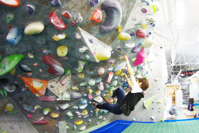 【大阪・南船場・ボルダリング】登る楽しさを実感!体験ボルダリング