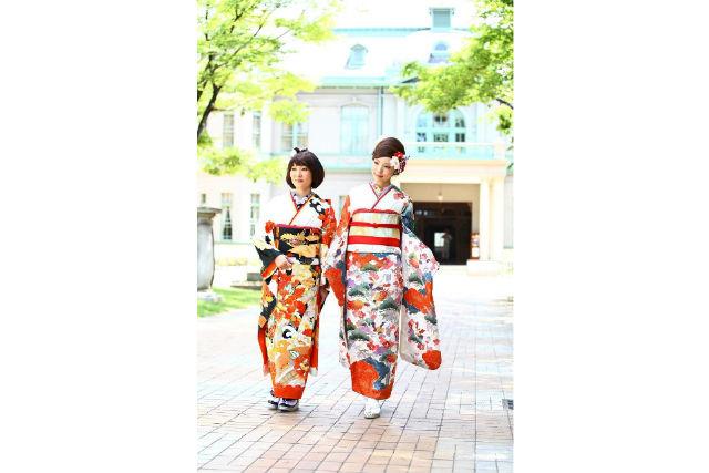 【福岡・着物レンタル】上品なアンティーク着物で記念撮影!カメラマン同行プラン