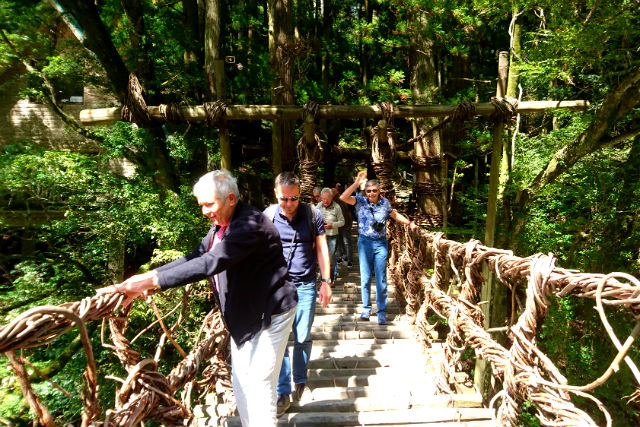 【徳島・三好・ ハイキング】日本三大秘境の祖谷の暮らしを巡る!ネイチャーガイドと歩くハイキング