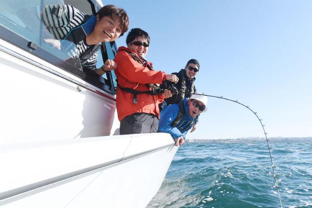 【兵庫・西宮・海釣り】釣りたての魚が味わえる!海釣り体験(平日限定)