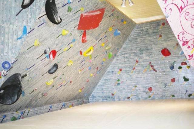 【長崎・大村市・ボルタリング】大人も子どもも登れる!気軽にボルダリングを始めよう