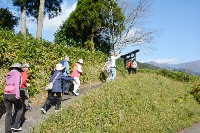【宮崎・ハイキング】ありのままの田舎風景を満喫!フットパス五ヶ村コース