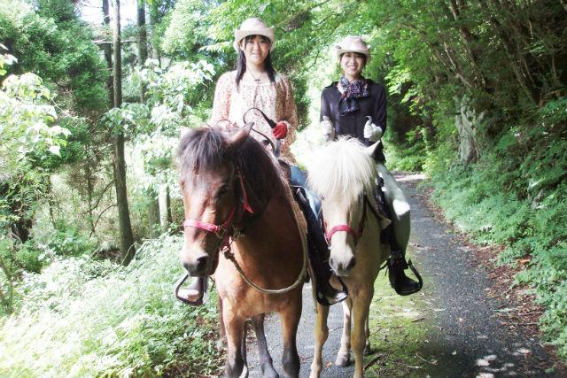 【佐賀・乗馬体験】経験者対象!手つかずの山里で乗馬体験(外乗コース)