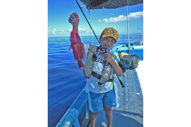 【宮古島・海釣り】海底の魚を狙おう!ライトジギングコース