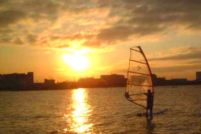 【大阪・貝塚市・ウインドサーフィン】その道30年のベテランが指導!マスター3日コース