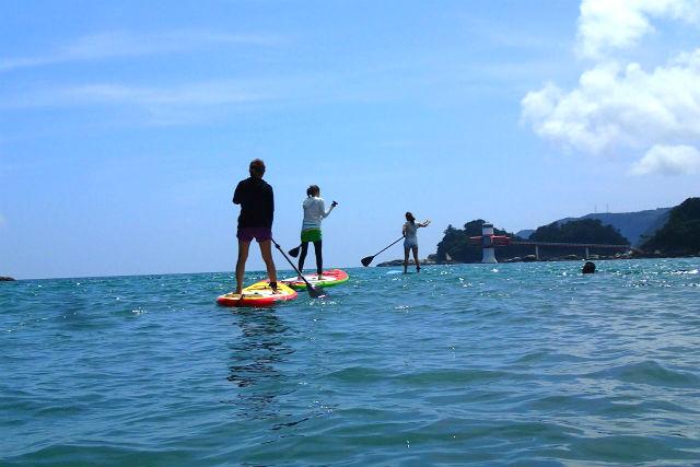 【高知・土佐清水市・SUP】海域公園・竜串湾でSUPツアー