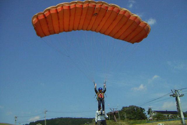 【兵庫・神鍋・パラグライダー】フワフワ飛ぶ浮遊感が最高!お気軽半日体験