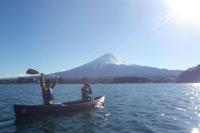山梨・富士河口湖・カヌー(2時間・温泉入浴割引クーポン付き)