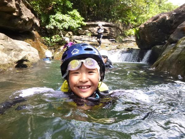 【西表島・マングローブカヌー】キャニオニングも楽しむ夏限定ツアー!西表島で水遊び!