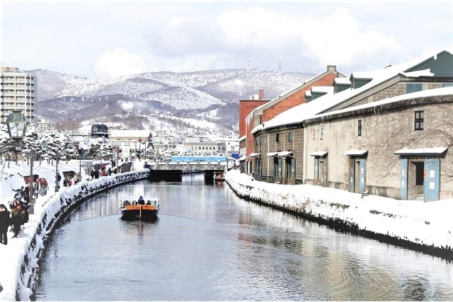 【小樽・クルージング】圧倒的な景色を楽しもう!写真撮影スポットいっぱい、小樽運河デイクルーズ