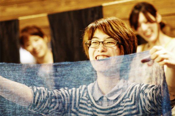 【札幌・藍染め体験】暮らしに藍色のやさしさを。江戸時代から続く藍染めを体験