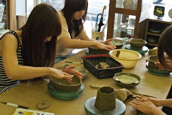 【120分・体験陶芸・手びねり】絵付けまで楽しめます!体験陶芸プラン