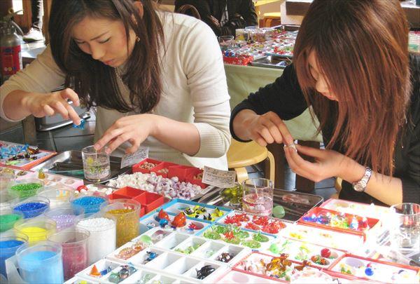 【キャンドル作り・静岡】1000種のガラス細工から作れるキラキラクリアキャンドル!伊豆熱川駅から徒歩2分