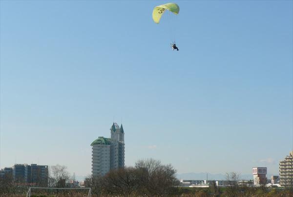 【栃木・足利市・モーターパラグライダー】大人も子どももモーターパラグライダーで大空へ!タンデムフライト(7:00)