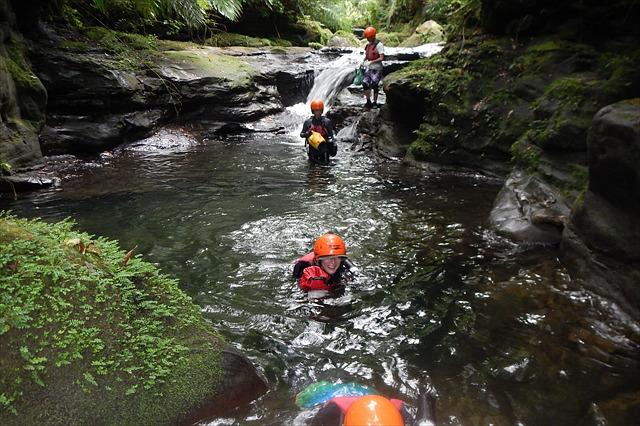 【西表島・シーカヤック・1日】アダナデの滝で水あそびも楽しめる!魅力たっぷり冒険プラン