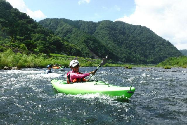 【島根・邑智郡・カヤック】全長5kmの川下り!江の川カヤック半日ツアー