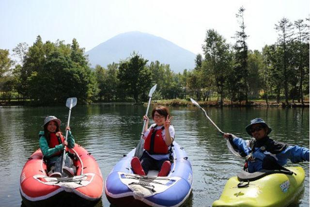 【北海道ニセコ・カヌーツアー】美しい池をカヌーで周遊!貸し切りで楽しもう