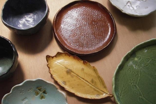 【埼玉・陶芸・手びねり】緑豊かな陶房で、オリジナルの作品づくり