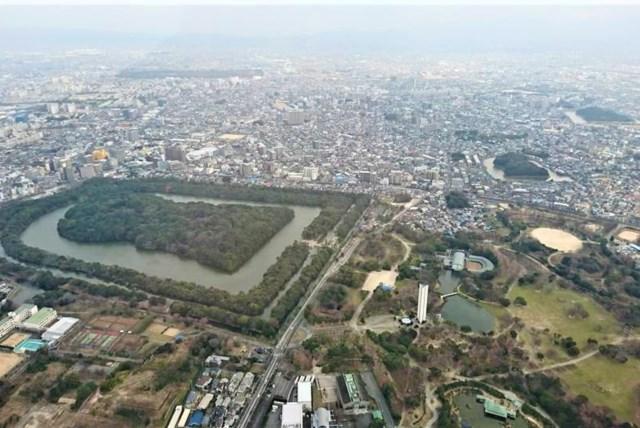 【大阪・ヘリコプター遊覧】仁徳天皇陵古墳まで鳥のごとく空から眺めるコース