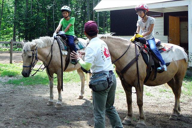 カナディアンキャンプ北海道乗馬クラブリーフ