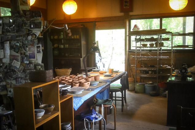 【熊本・阿蘇市・陶芸体験】湯のみ・マグカップ・丼ぶりなどから選べる!手びねり体験
