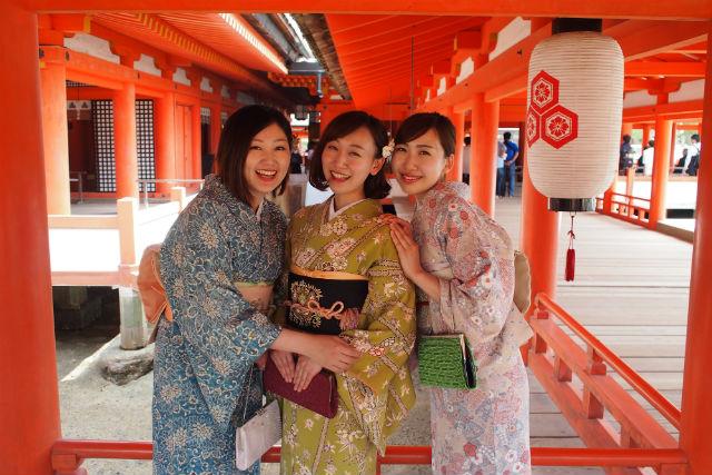 【広島・宮島・着物レンタル】上質なお着物を着て、世界遺産宮島を観光しよう!