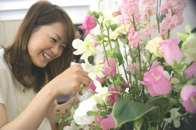 【大阪・フラワーアレンジメント】大人気!お花がたっぷりのボックスフラワー体験