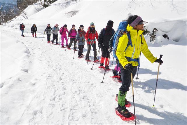 【富山市・スノーシュー】自然豊かな富山の森、雪に覆われた白銀の世界を歩こう