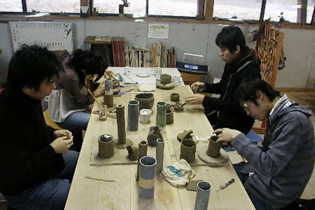 【石川県輪島市・陶芸教室】日本海に面した一軒家でこころ落ちつく手ひねり体験(輪島朝市より3km)