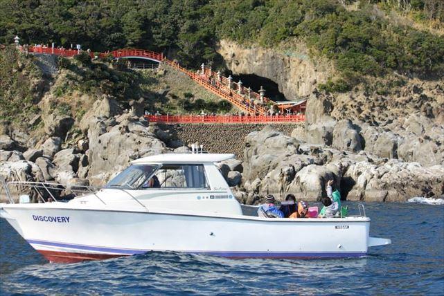 【宮崎・鵜戸神宮周遊コース】海から観光地を見学できる最高のクルージングプラン