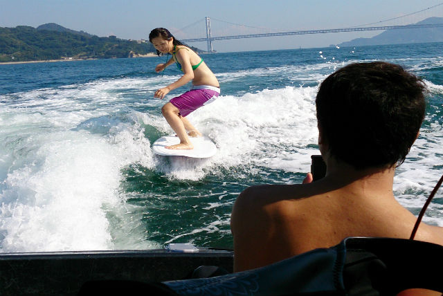 【広島県尾道市・ウェイクサーフィン】爽快感抜群!ウェイクサーフィン20分プラン