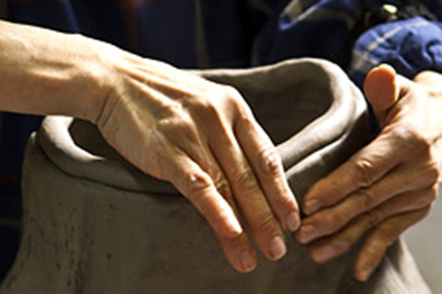 【徳島県・陶芸体験】鳴門市の伝統工芸、大谷焼。手びねりでお手軽陶芸体験