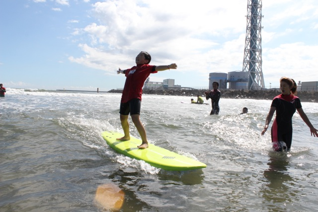 【茨城・キッズサーフィン】サーフィンに興味があるキッズへ!まずは海と仲良くなろう