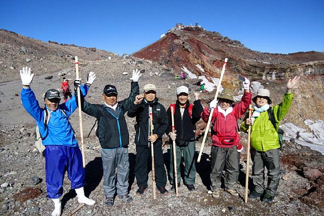 【富士山・登山ツアー】中高年だけの富士登山1泊2日プラン!専属ガイドと一緒に頂上を目指そう