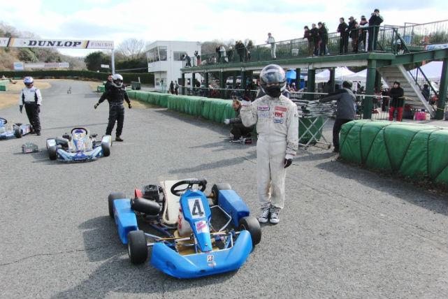 【大阪市・30分・ゴーカート】本格的なレーシングカートを、ライセンス無しで体験!初心者30分プラン