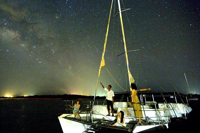 【石垣島・星空クルージング】こぼれそうな星空!石垣島でティンガーラクルージング