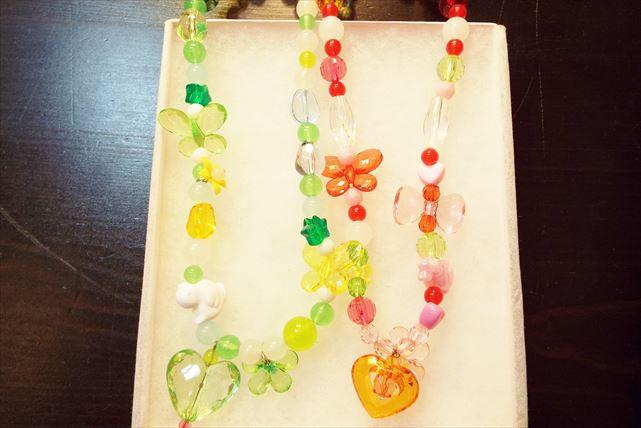 【神戸・ビーズアクセサリー作り】色とりどりのビーズを組み合わせて。ビーズネックレス作り
