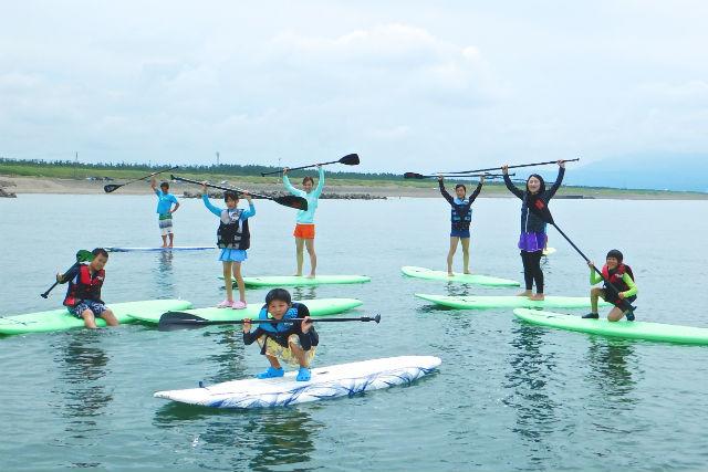 【新潟県柏崎市・SUP体験】海の上をスイーっと滑る!自分だけの空間、SUPを体験