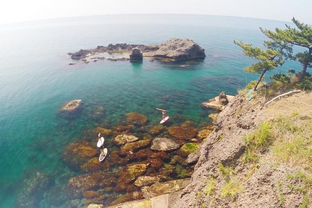 【新潟県・柏崎市・SUPクルージング】 足元の海はまるで水族館!絶景の青海川SUP