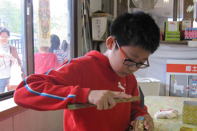 【盛岡市・伝統工芸体験】岩手の歴史が育てた民芸品。幸運の人形・金のベココを作ろう