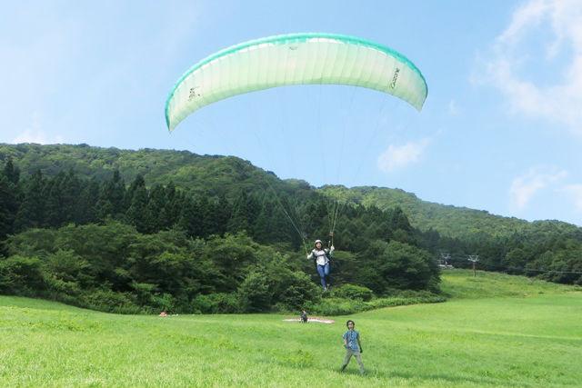 【宮城県・パラグライダー・半日】パラグライダーで雄大な景色を満喫。半日で基本を身につけましょう