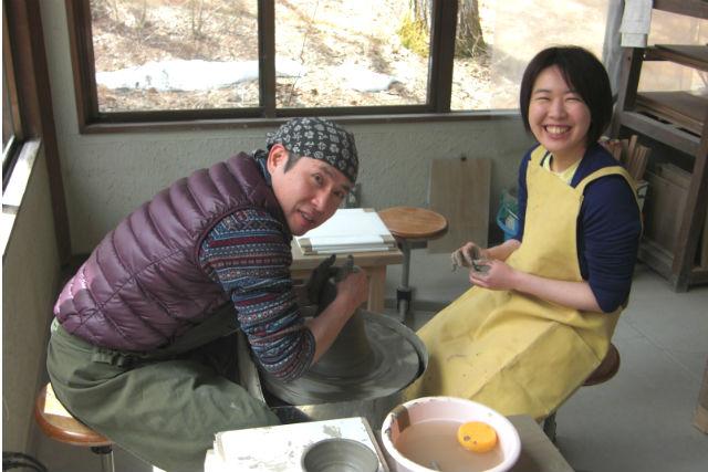【長野県・八ヶ岳・陶芸体験】緑豊かな木々に囲まれた高原で、ろくろを使った陶芸体験