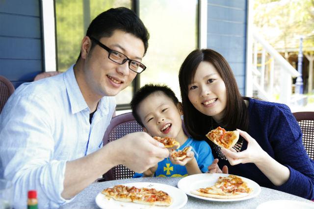 【三重県美杉町・ピザ焼き体験】本格ピザ作り体験!じっくり焼いたピザをいただきます!
