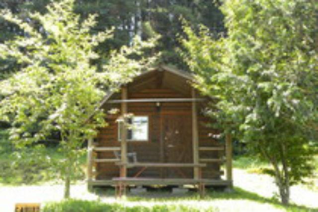 【群馬県・キャンプ】上毛高原で、キャビンキャンプ!約8畳、4名までの施設です